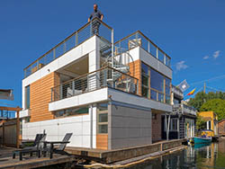Image of exterior of Par Two floating home, Lake Union, Seattle, Washington